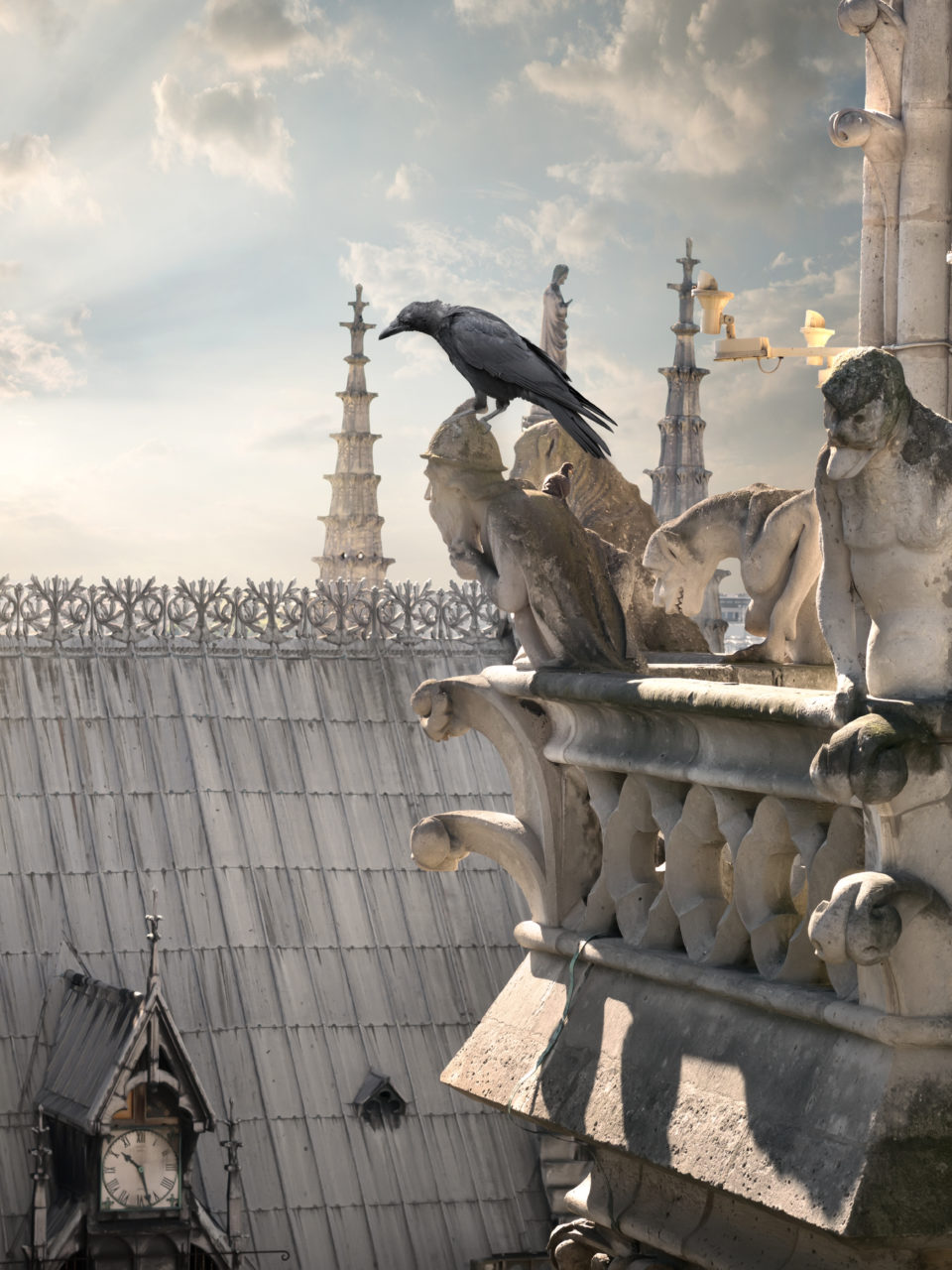 https://www.planetavenue.com/wp-content/uploads/2019/05/chimeras-on-notre-dame-PYPP9BD-960x1280.jpg